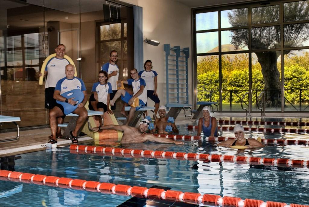 2.team swim